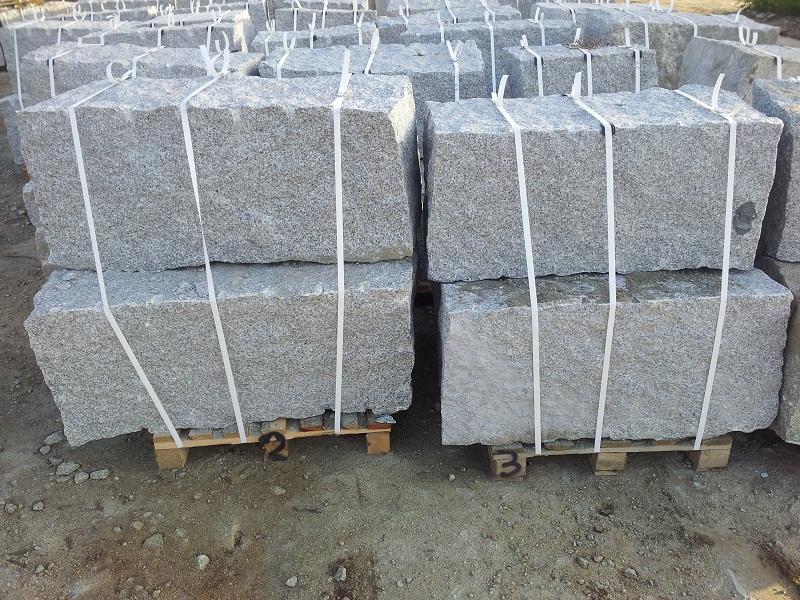 granit mauersteine grau 50 50 60 140 interbruk s c hersteller von granitpflaster granit. Black Bedroom Furniture Sets. Home Design Ideas